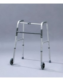 Andador con ruedas externas